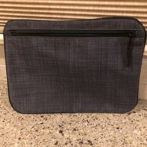 Thirty-One | Pocket-a-Tote, Black Cross Pop
